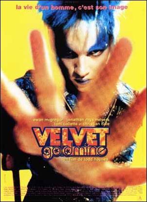 Parce que Jonathan Rhys Meyers imite presque aussi bien Bowie qu'Ewan Mac Gregor Iggy Pop